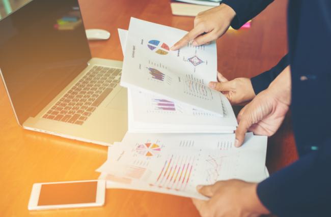 Como administrar contratos de locação de forma eficiente